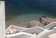Looking down from the snack bar at ilidi beach - very Cycladic!